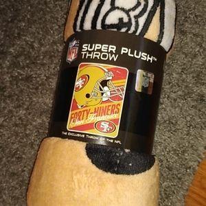 San Francisco 49ers Super Plush Throw Blanket